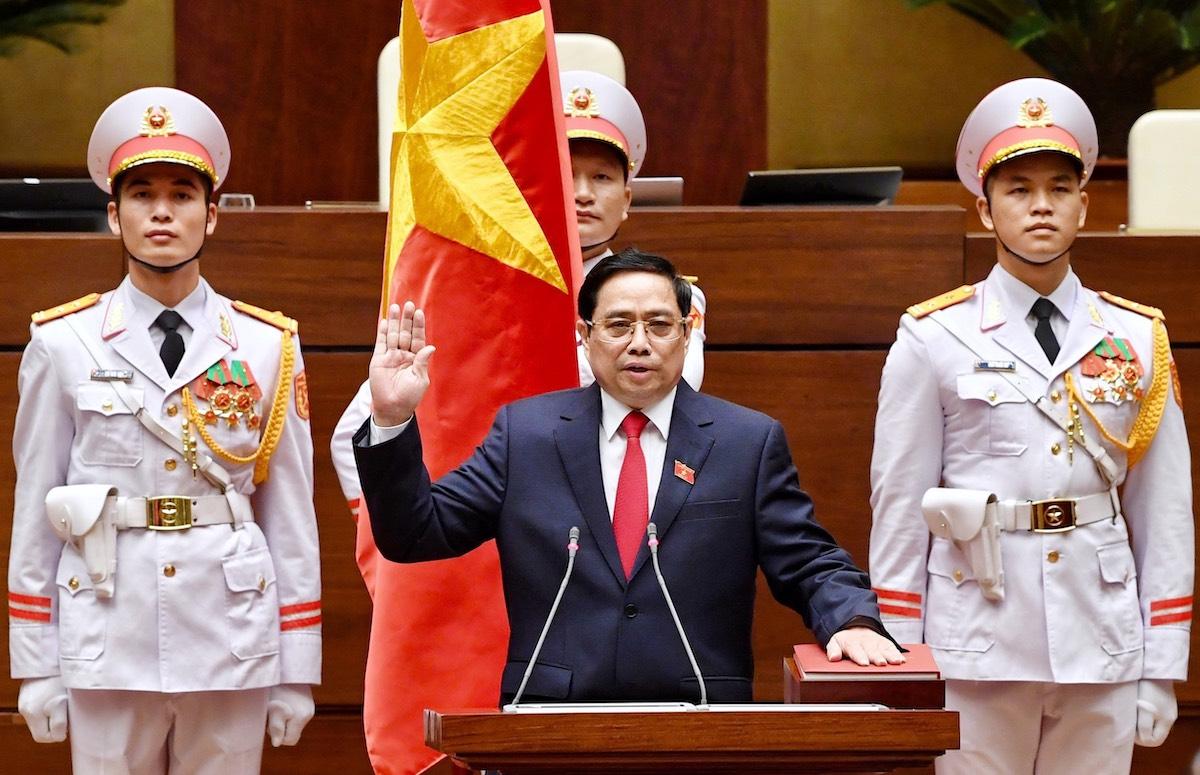 Thủ tướng Phạm Minh Chính tuyên thệ. Ảnh: Giang Huy
