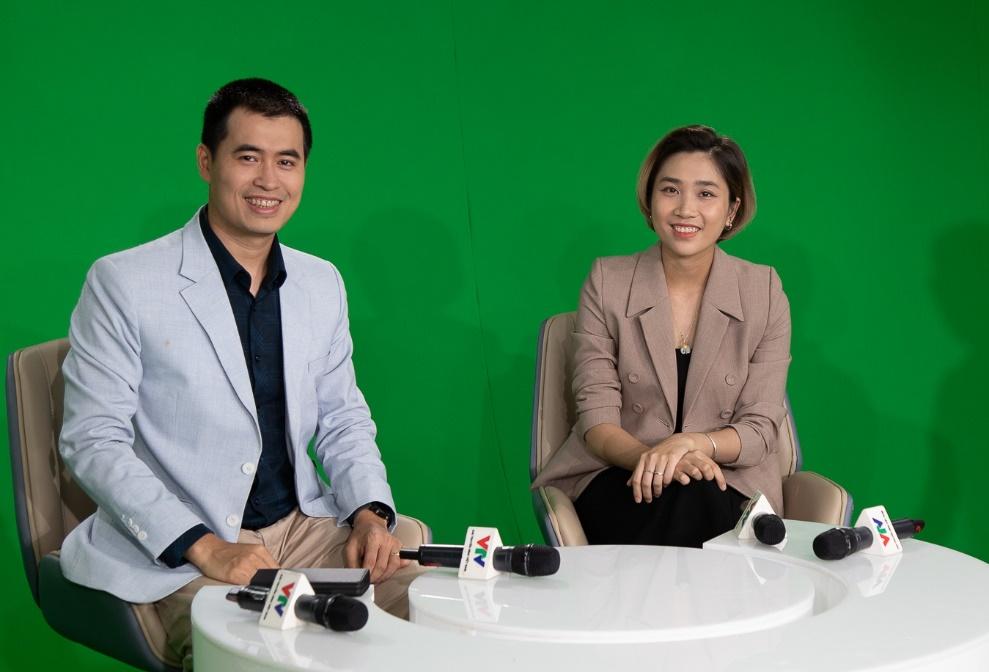 Ông Vũ Chí Thành – Hiệu trưởng trường Cao đẳng FPT Polytechnic và chị Minh Hiền – Giám đốc dự án CVScout Công ty CP TopCV đã chia sẻ khách quan về việc chọn trường, chọn ngành trong mùa dịch Covid-19.