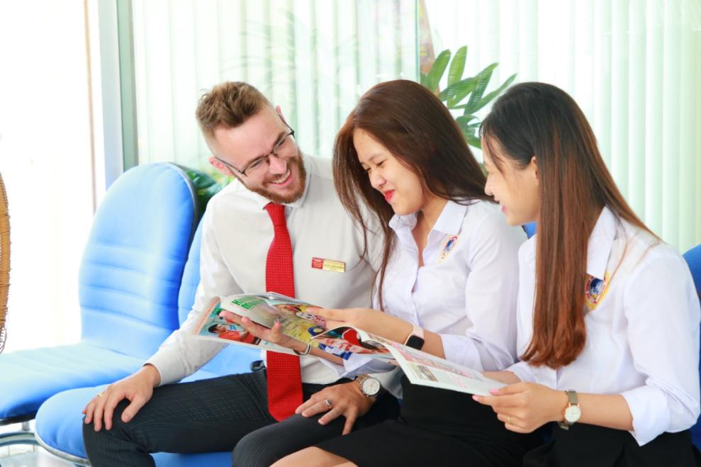 Môi trường rèn luyện Anh ngữ nhiều trải nghiệm, cùng giáo viên bản xứ là thế mạnh của Đại học Quốc tế Sài Gòn.