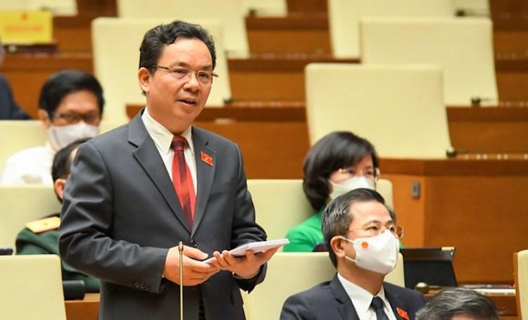 đại biểu Hoàng Văn Cường (Phó hiệu trưởng trường Đại học Kinh tế quốc dân)