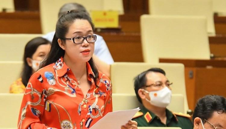 Đại biểu Dương Minh Ánh phát biểu tại nghị trường chiều 27/7. Ảnh: Giang Huy