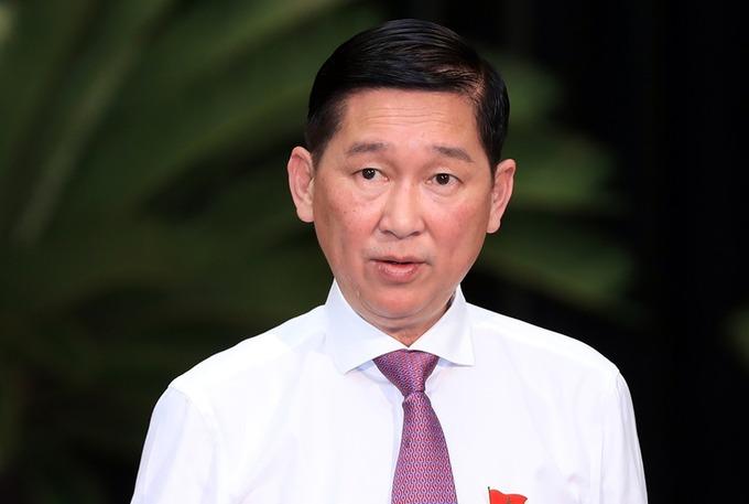 Ông Trần Vĩnh Tuyến trong buổi họp báo cuối năm 2018. Ảnh: Hữu Khoa.