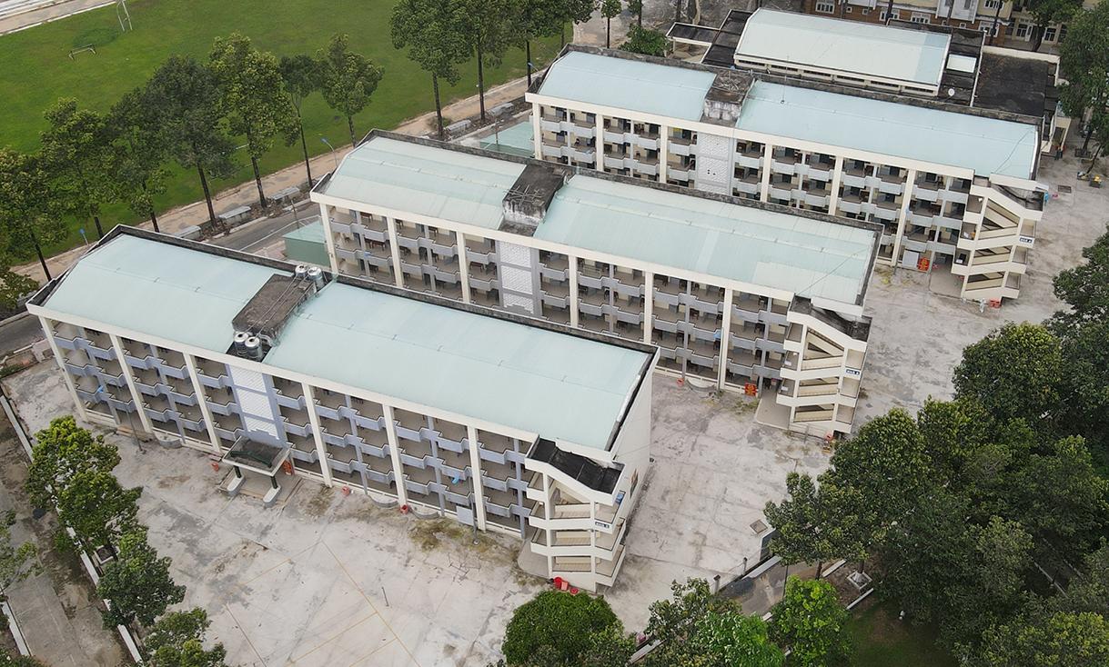 Bệnh viện dã chiến số 6 hơn 1.000 giường tại KTX ĐH Đồng Nai. Dự kiến Đồng Nai sẽ thiết lập thêm các bệnh viện dã chiến để nâng công suất 8.000 giường. Ảnh: Phước Tuấn
