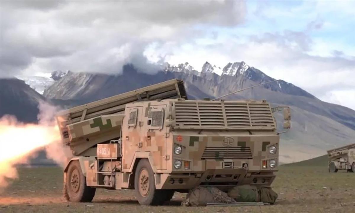 Pháo phản lực tự hành của Trung Quốc diễn tập tại Tây Tạng. Ảnh: PLA.