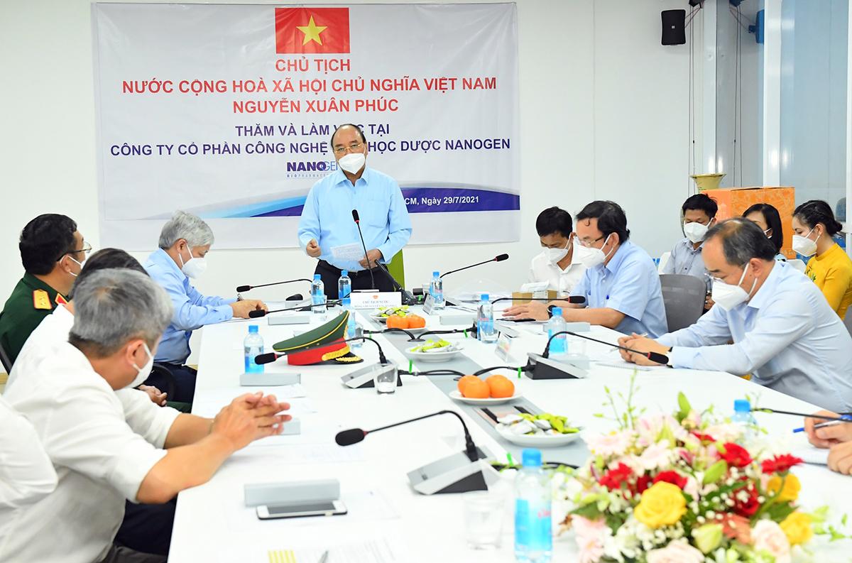 Chủ tịch nước Nguyễn Xuân Phúc phát biểu tại buổi làm việc với Công ty CP Công nghệ sinh học dược Nanogen chiều 29/7. Ảnh: Việt Dũng.