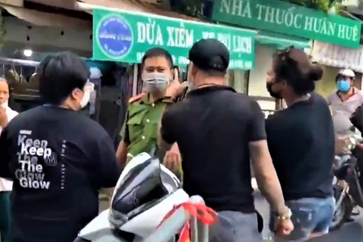 Cảnh gây rối ở Yên Phụ được quay lại. Ảnh: Cắt từ video.