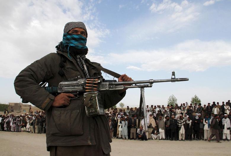 Một thành viên Taliban tại Ghazni, Afghanistan tháng 4/2015. Ảnh: Reuters.