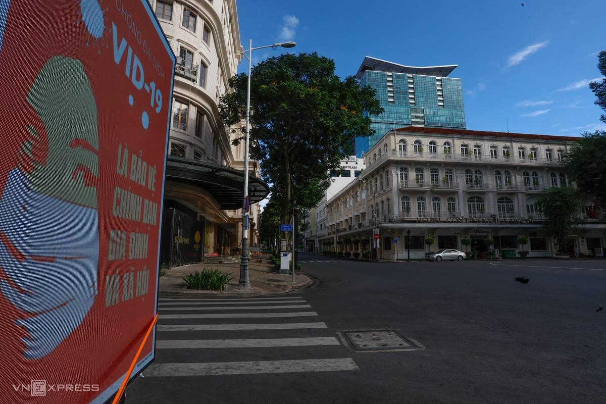 Khu vực đường Đồng Khởi, đoạn trước Nhà hát Thành phố, TP HCM, ngày 9/7. Ảnh: Hữu Khoa