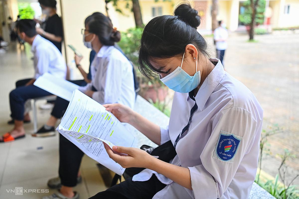 Thí sinh dự thi tốt nghiệp THPT năm 2021 đợt 1 tại Hà Nội. Ảnh: Giang Huy.