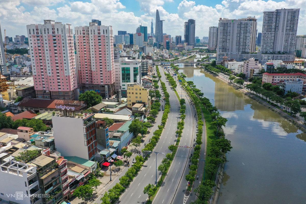 Trung tâm TP HCM những ngày thực hiện chỉ thị 16, tháng 7/2021. Ảnh: Quỳnh Trần