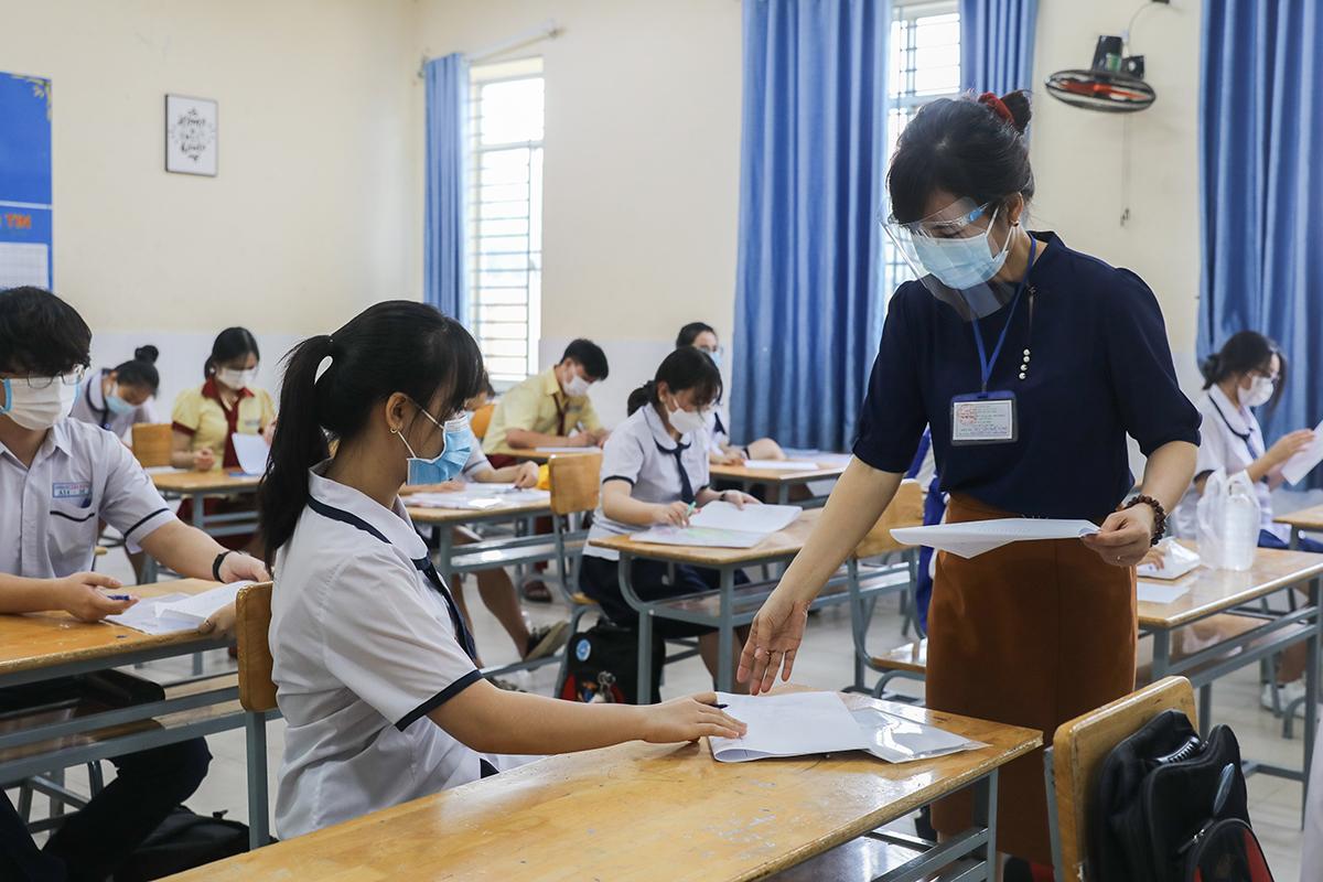 Thí sinh TP HCM dự thi tốt nghiệp THPT đợt 1 ngày 7 và 8/7. Ảnh: Quỳnh Trần.