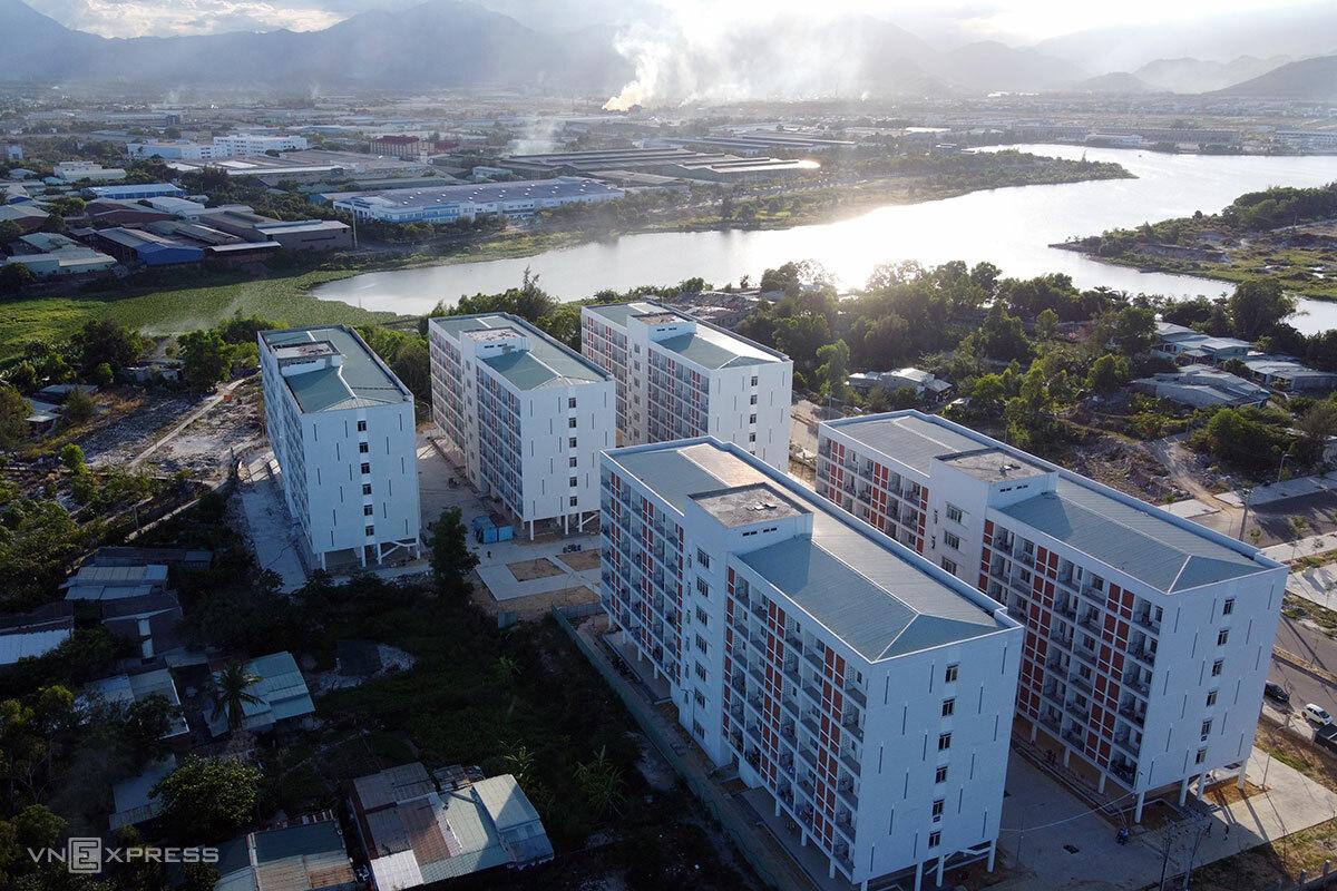 Khu ký túc xá phía Tây Đà Nẵng được trưng dụng làm Bệnh viện dã chiến, quy mô 1.700 giường bệnh. Ảnh: Nguyễn Đông.