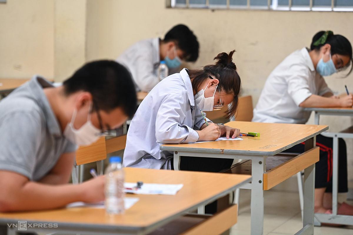 Thí sinh dự thi tốt nghiệp THPT đợt 1 tại Hà Nội. Ảnh: Giang Huy.