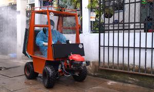 Chế tạo xe ATV phun khử khuẩn trong hẻm nhỏ