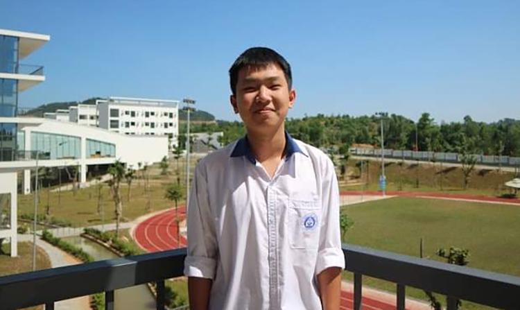 Vũ Ngọc Bình chuẩn bị bước vào năm học cuối tại trường THPT chuyên Vĩnh Phúc. Ảnh: Nhân vật cung cấp.