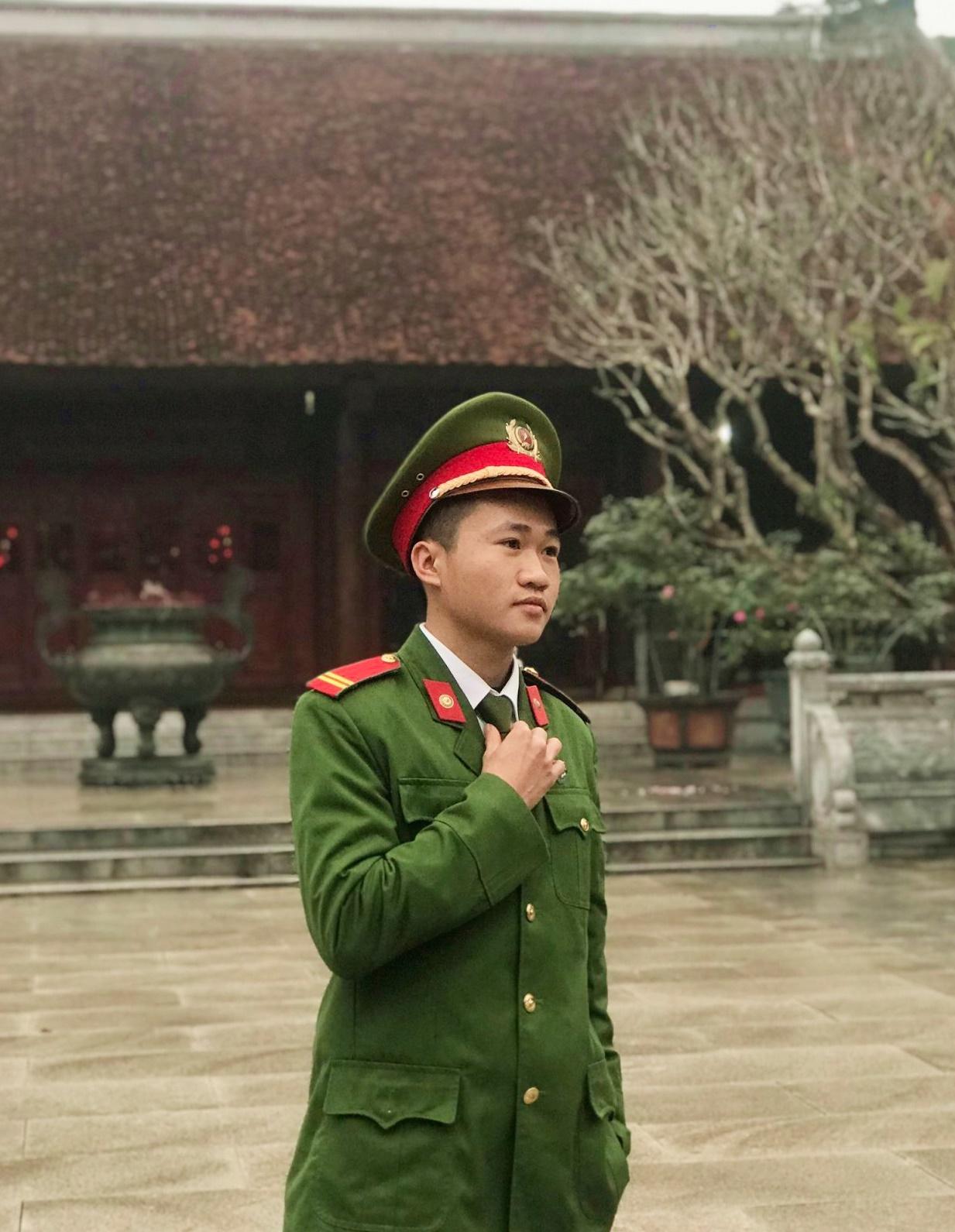 Trung sĩ Nguyễn Kim Huy, Tiểu đội cảnh sát bảo vệ Tỉnh ủy, Phòng Cảnh sát cơ động, Công an tỉnh Nghệ An. Ảnh: Nhân vật cung cấp