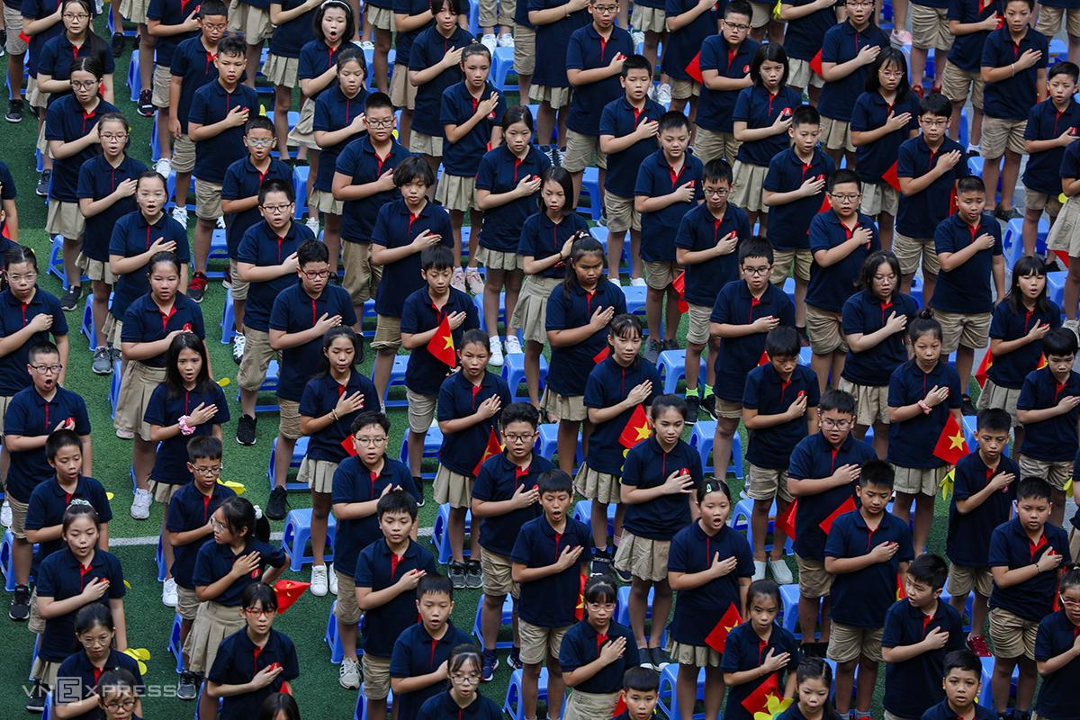 Học sinh trường Marie Curie (Hà Nội) trong lễ khai giảng năm học 2020-2021. Ảnh: Ngọc Thành.