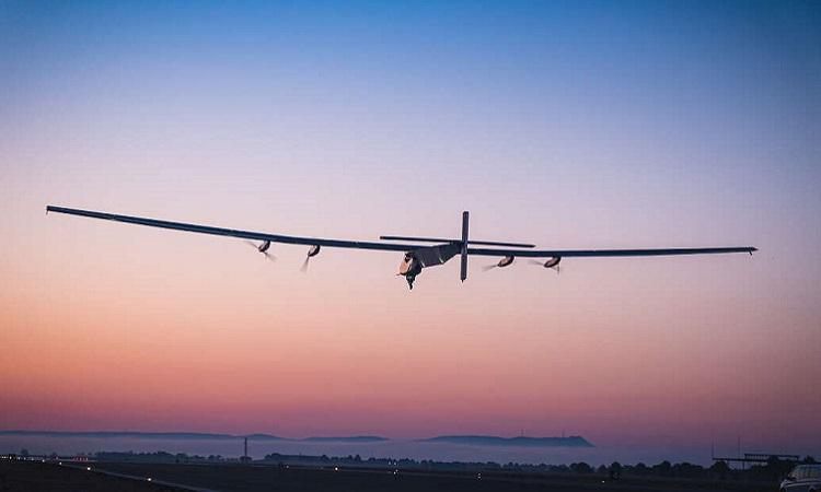 Máy bay Skydweller hạ cánh vào lúc hoàng hôn trong chuyến bay thử nghiệm hồi tháng 4/2021. Ảnh: Skydweller.