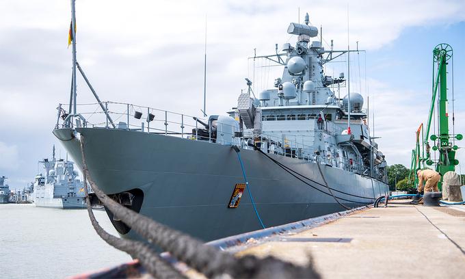 Hộ vệ hạm Bayern của hải quân Đức tại cảng Wilhelmshaven. Ảnh: AFP.