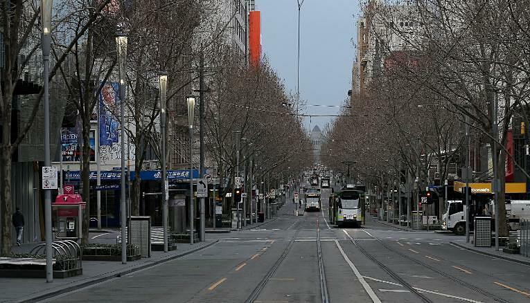 Đường phố Melbourne vắng lặng trong đợt phong tỏa lần thứ 6 ngày 6/8. Ảnh: AFP.