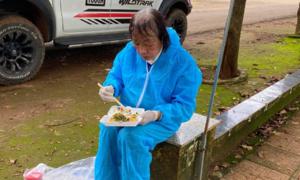 Những chuyến cứu trợ ở tuổi 72 của 'má Bảy'