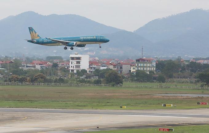 Máy bay tại sân bay Nội Bài. Ảnh: Ngọc Thành.