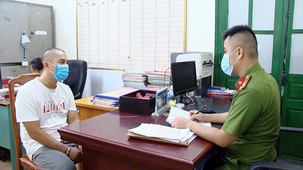 Nguyễn Tùng Lâm, cán bộ CDC Hải Dương bị triệu tập vì bán giấy xét nghiệm giả. Ảnh: Công an cung cấp.