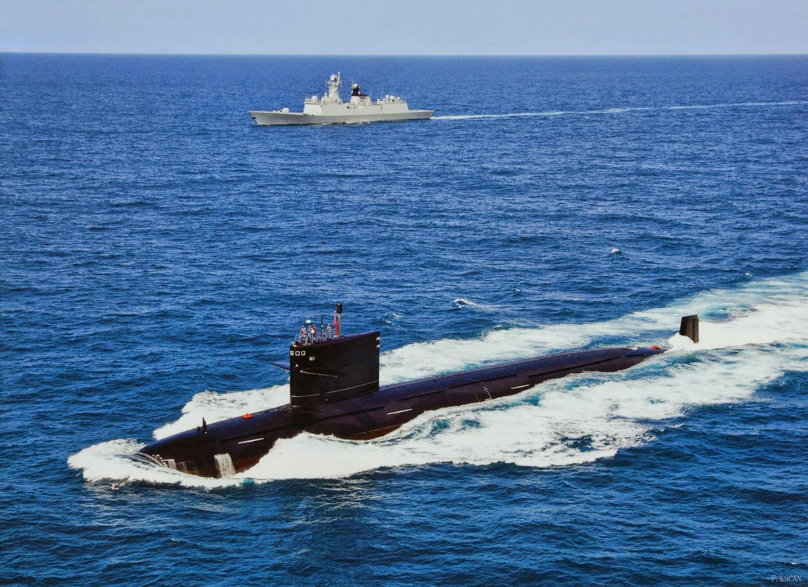 Tàu ngầm hạt nhân Type-093 Trung Quốc hoạt động gần một tàu tên lửa đa năng Type-054A. Ảnh: Chinese Military Review.