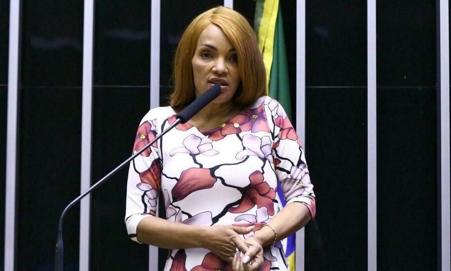 Flordelis dos Santos phát biểu trong phiên họp của hạ viện Brazil ngày 11/8. Ảnh: AFP.
