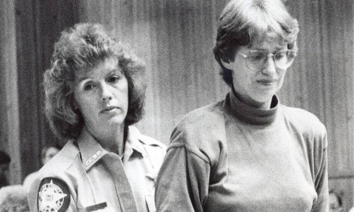 Barbara (phải) giả mạo hầu hết chữ ký ngân hàng, hợp đồng bảo hiểm và di chúc của chồng để chiếm tài tài sản. Ảnh: New Observer