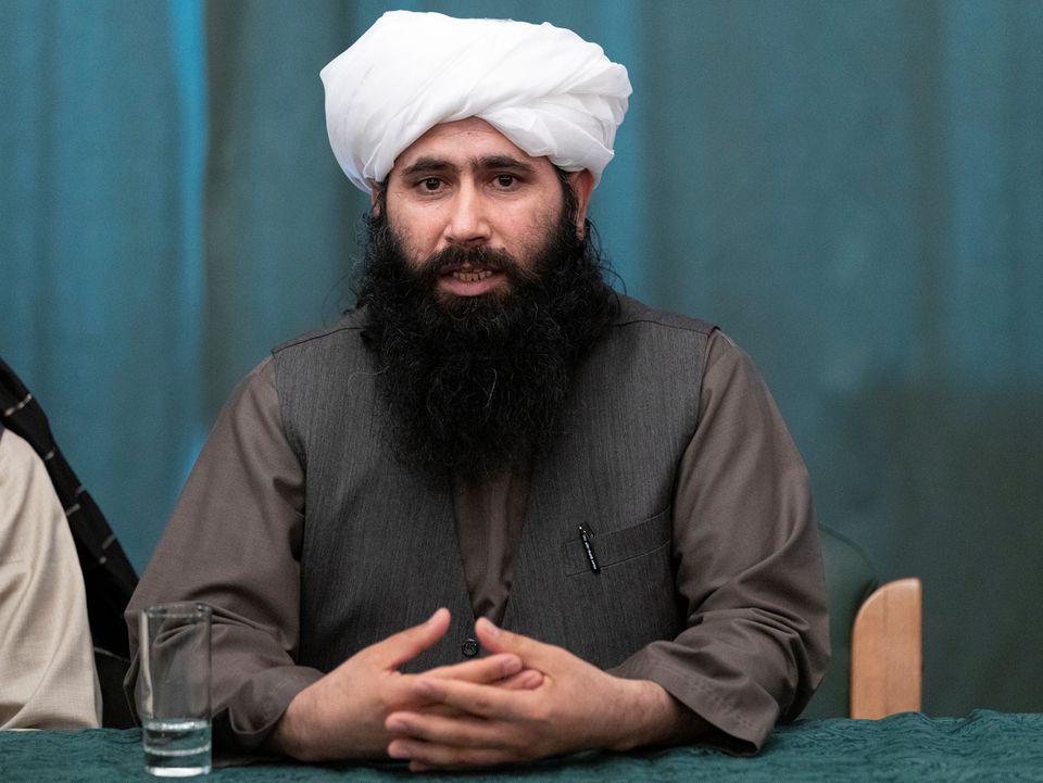Mohammad Naeem, phát ngôn viên chính trị của Taliban, phát biểu trong cuộc họp báo ở Moskva, Nga, ngày 19/3. Ảnh: Reuters.