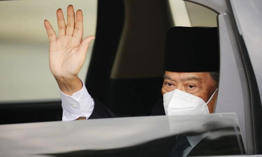 Thủ tướng Malaysia Muhyiddin Yassin đến cung điện ở  Kuala Lumpur để gặp Quốc vương hôm nay. Ảnh: Reuters.