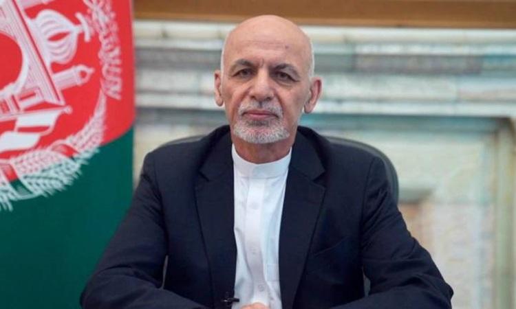 Tổng thống Afghanistan Ashraf Ghani phát biểu trước toàn quốc từ phủ tổng thống ở Kabul hôm 14/8. Ảnh: Reuters.