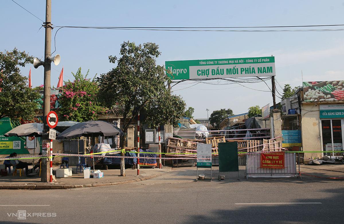 Chợ đầu mối phía Nam, quận Hoàng Mai ngày 17/8. Ảnh: Tất Định.