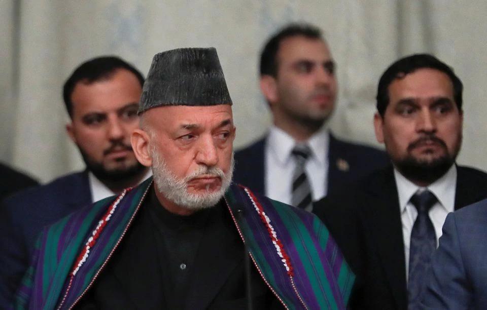 Cựu tổng thống Afghanistan Hamid Karzai tham gia đàm phán hòa bình với phái đoàn Taliban ở Moskva, Nga, hôm 30/5/2019. Ảnh: Reuters