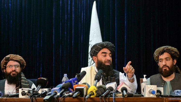 Các đại diện của Taliban trong cuộc họp báo đầu tiên ở Kabul ngày 17/8. Ảnh: AFP.