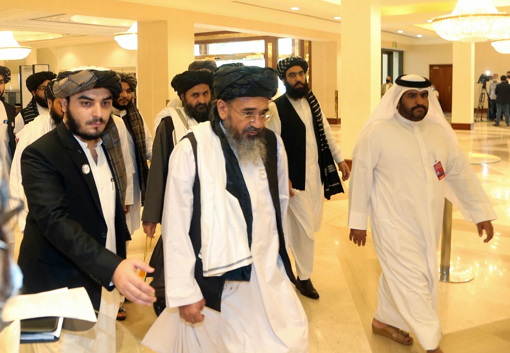 Lãnh đạo Taliban tham dự đàm phán hòa bình tại Doha, Qatar vào tháng 9/2020. Ảnh: AP.