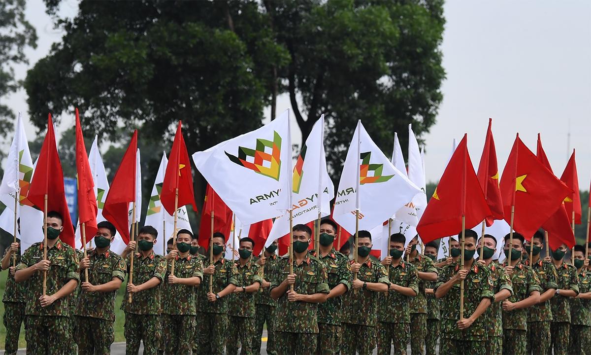 Cán bộ chiến sĩ tham gia tổng duyệt lễ khai mạc Hội thao Quân sự Quốc tế Army Games 2021 tại Miếu Môn ngày 13/8. Ảnh: QĐND.