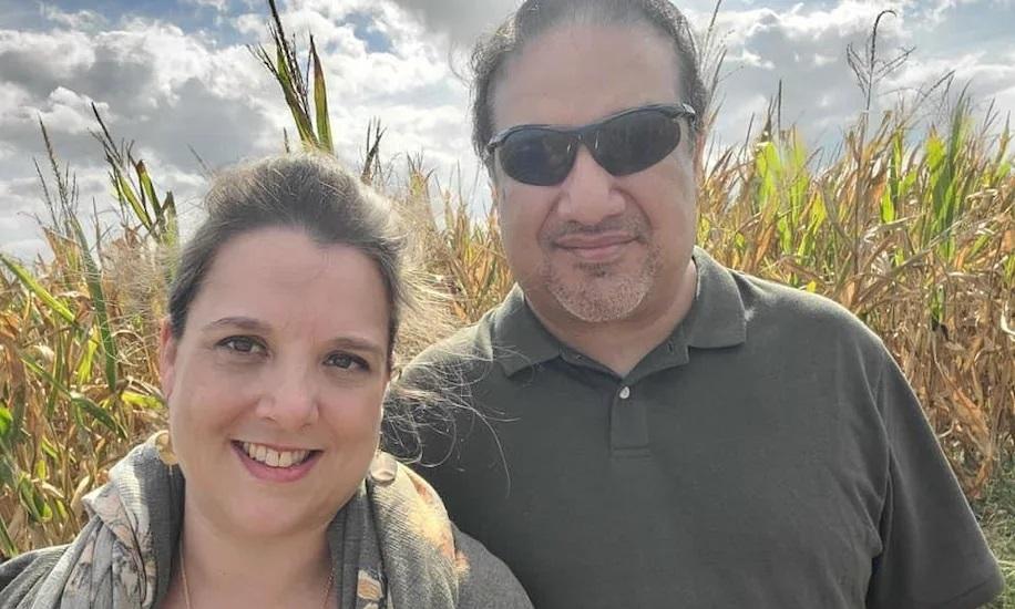 Hai vợ chồng Rodriguez. Ảnh: Dottie Jones