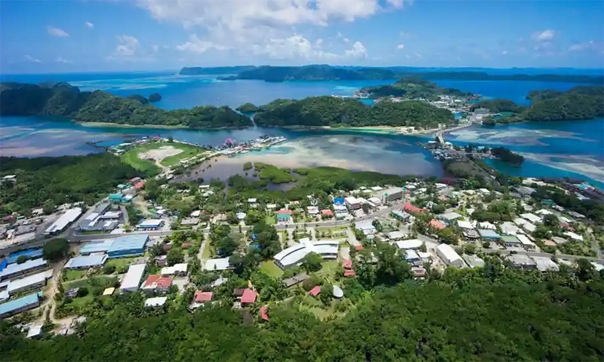 Koror, thành phố lớn nhất của Palau nhìn từ trên cao. Ảnh: Guardian.