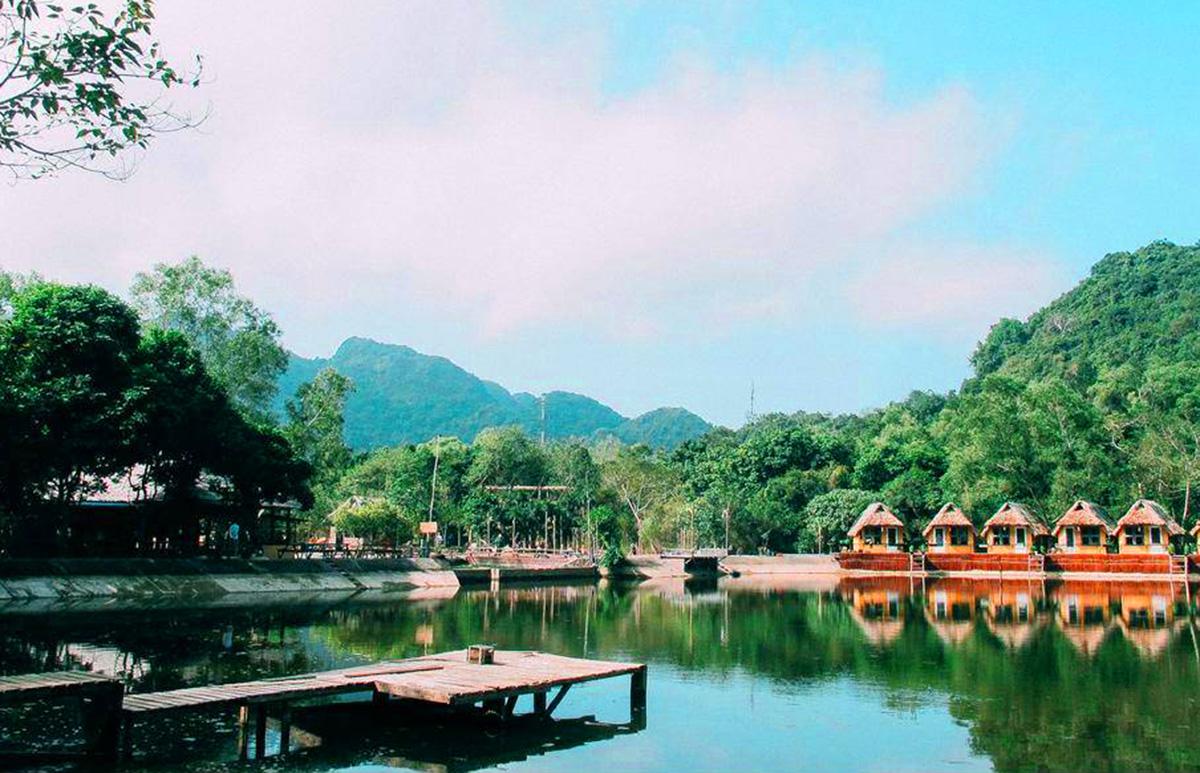Khu du lịch nghỉ dưỡng nằm giữa vườn quốc gia Cát Bà, Hải Phòng. Ảnh: CTV