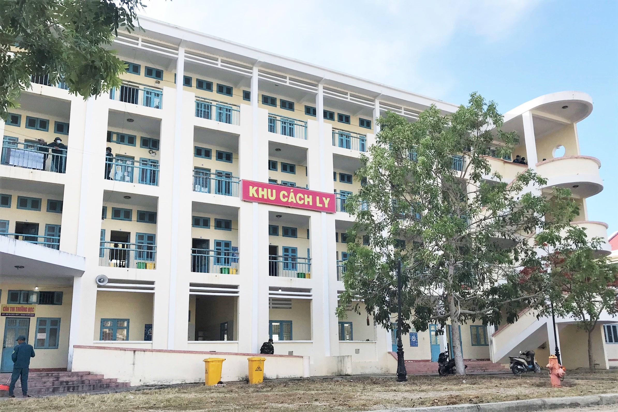 Trường Dân tộc Nội trú huyện Ninh Phước, nơi bà Tuyết đang cách ly tập Trung. Ảnh: Đức Huynh