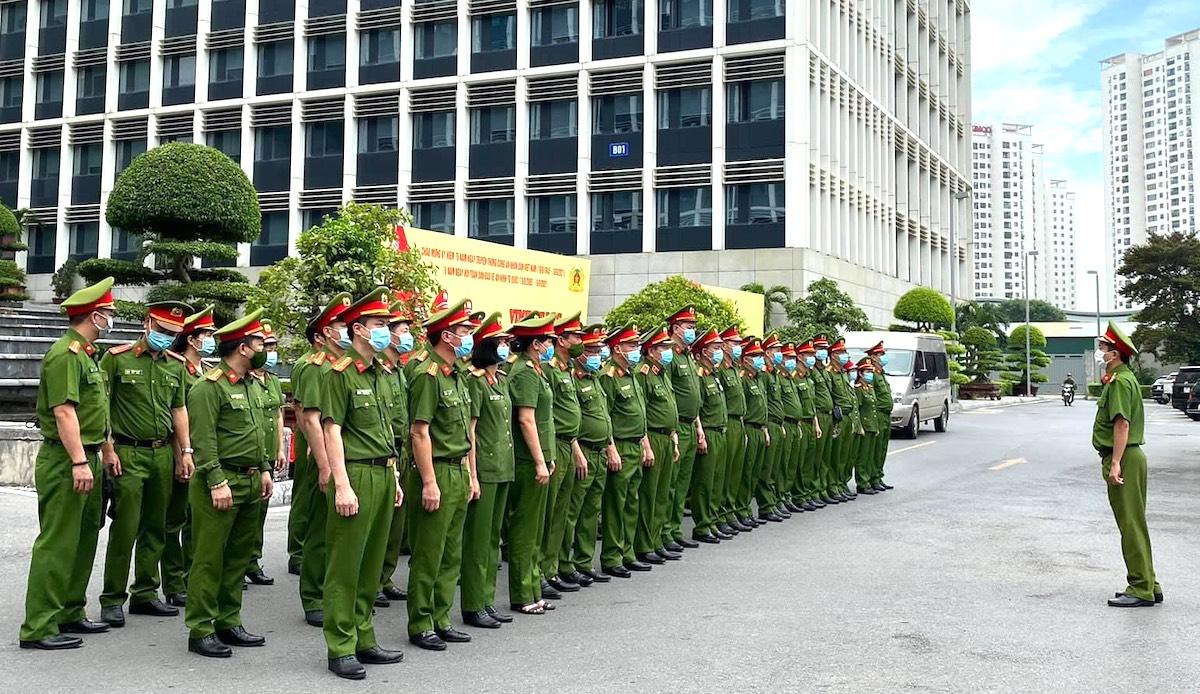 Cán bộ, chiến sĩ Cục Cảnh sát quản lý hành chính về trật tự xã hội tại lễ xuất quân tăng cường cho TP HCM, ngày 22/8. Ảnh: Xuân Hoa
