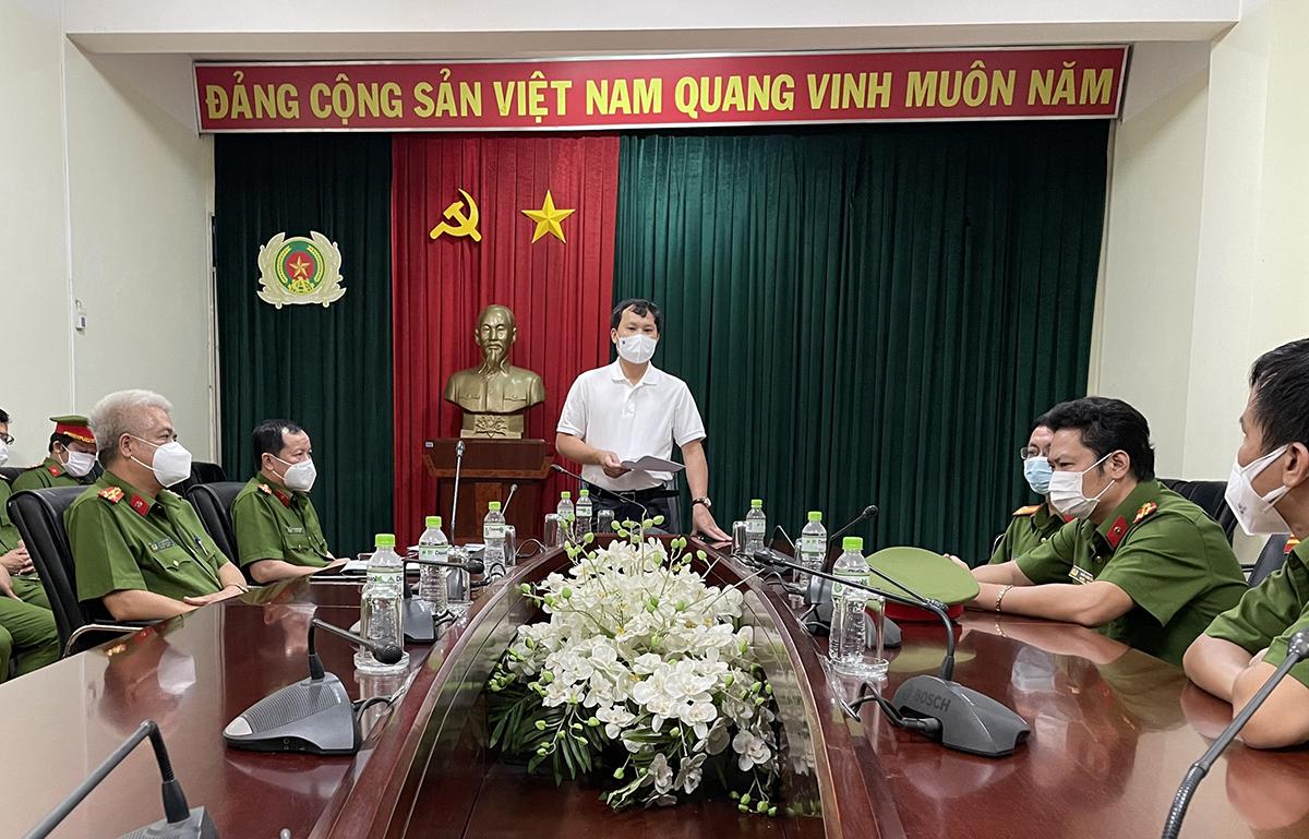 Cục Cảnh sát hình sự họp nhanh ở TP HCM về công tác chống dịch. Ảnh: Mạnh Cường.