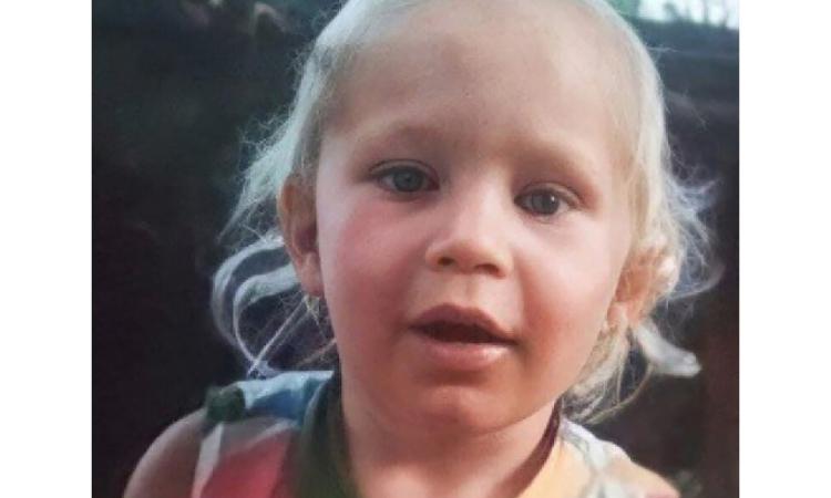 Bé gái một tuổi Lyuda Kuzina. Ảnh: EAST2WEST NEWS.