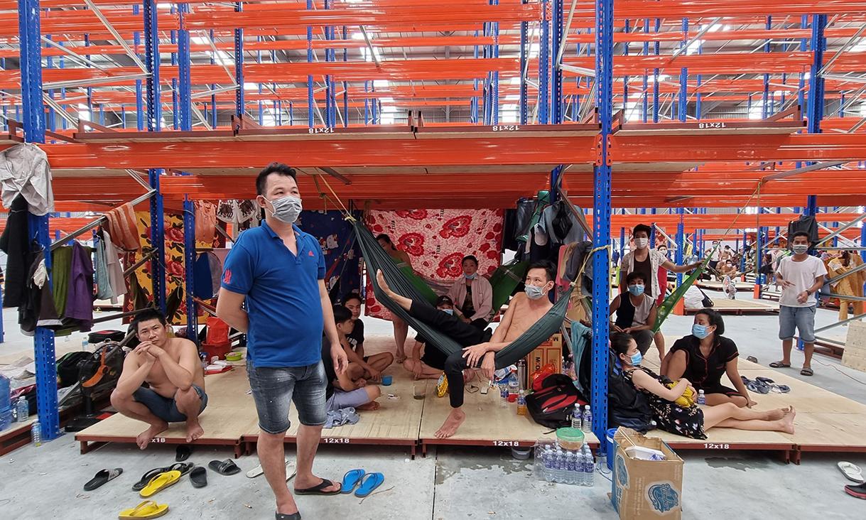 Một cơ sở thu dung, cách ly tạm thời các trường hợp F0 qua xét nghiệm nhanh ở thị xã Tân Uyên. Ảnh: Thái hà