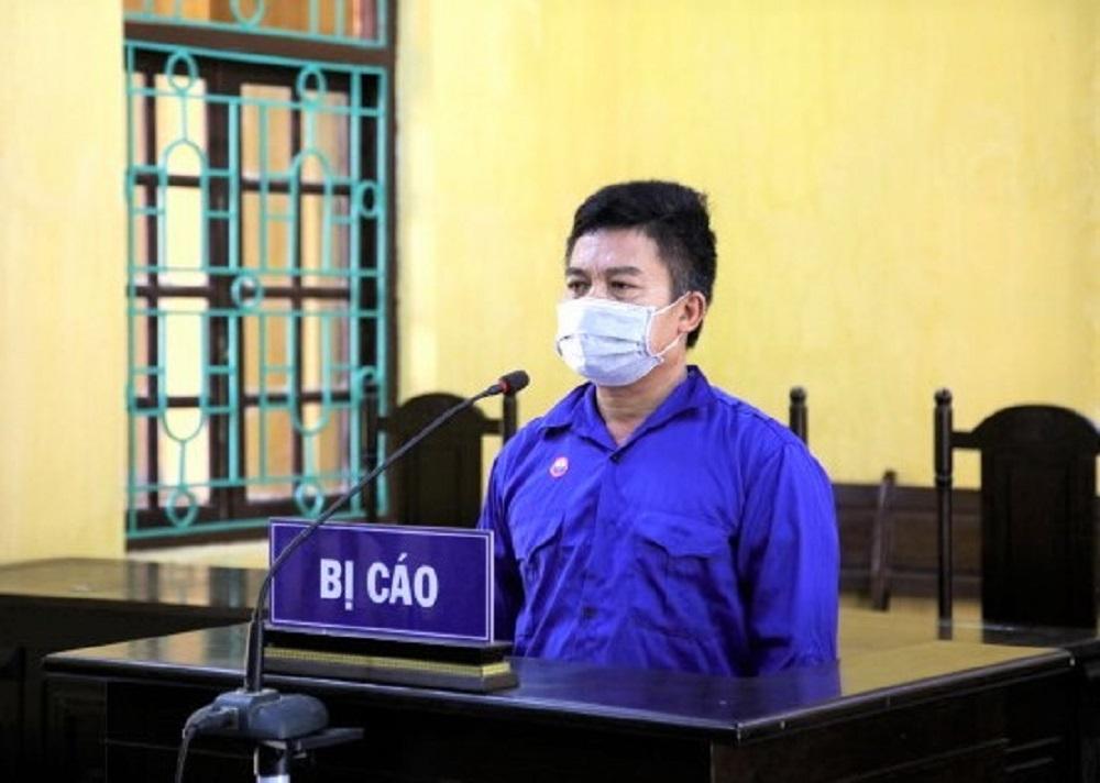 Nguyễn Hữu Tuyên dừng xe trộn bê tông để gây ùn tắc trạm kiểm soát dịch bệnh. Ảnh: Cổng thông tin UBND Vĩnh Tường
