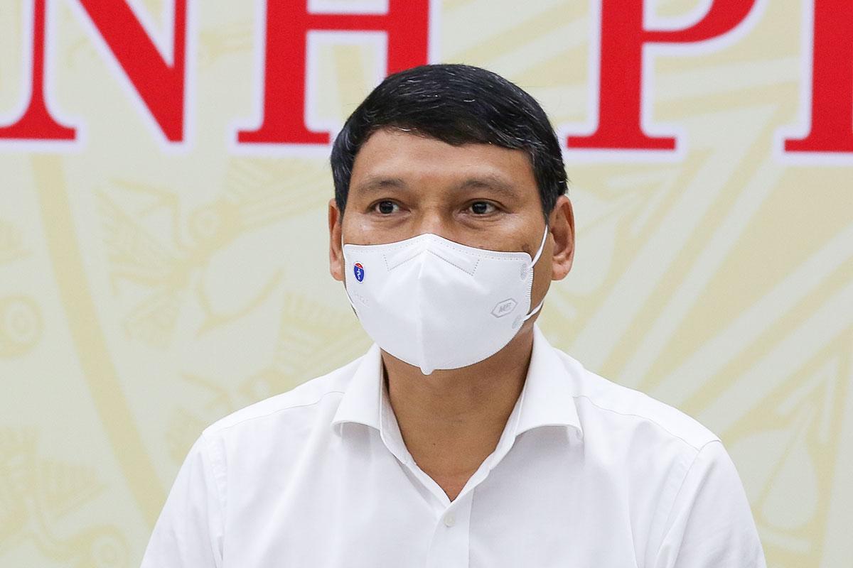 Ông Hồ Kỳ Minh, Phó chủ tịch UBND TP Đà Nẵng tại buổi họp báo chiều 24/8. Ảnh: Nguyễn Đông.