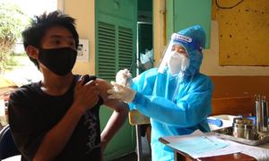Người lang thang được tiêm vaccine Covid-19