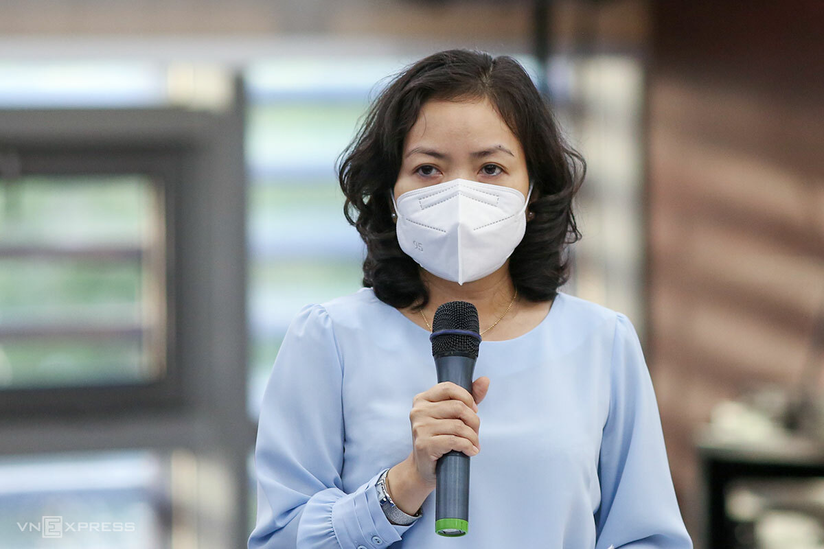 Bà Lê Thị Kim Phương, Giám đốc Sở Công thương Đà Nẵng, tại buổi họp báo chiều 24/8. Ảnh: Nguyễn Đông.